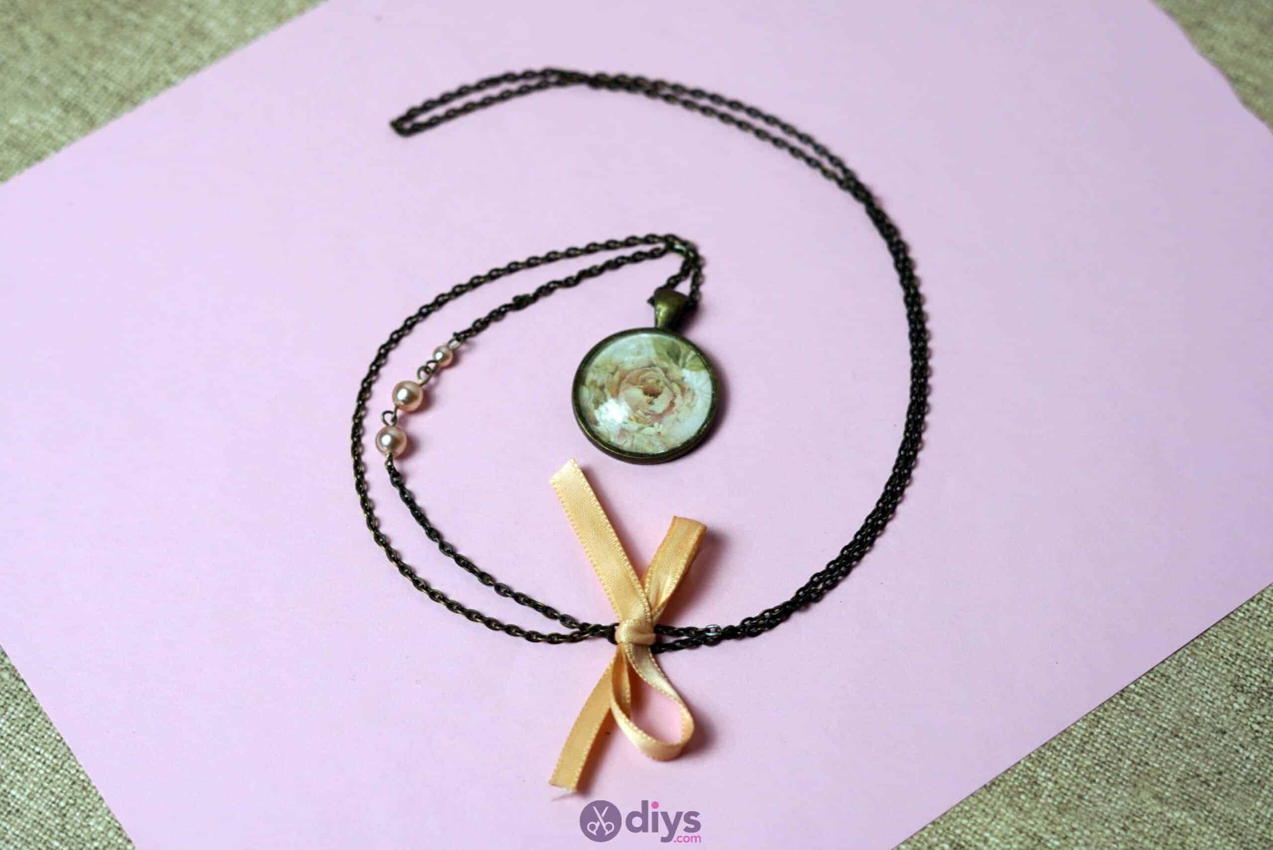 Glass lens necklace simple project