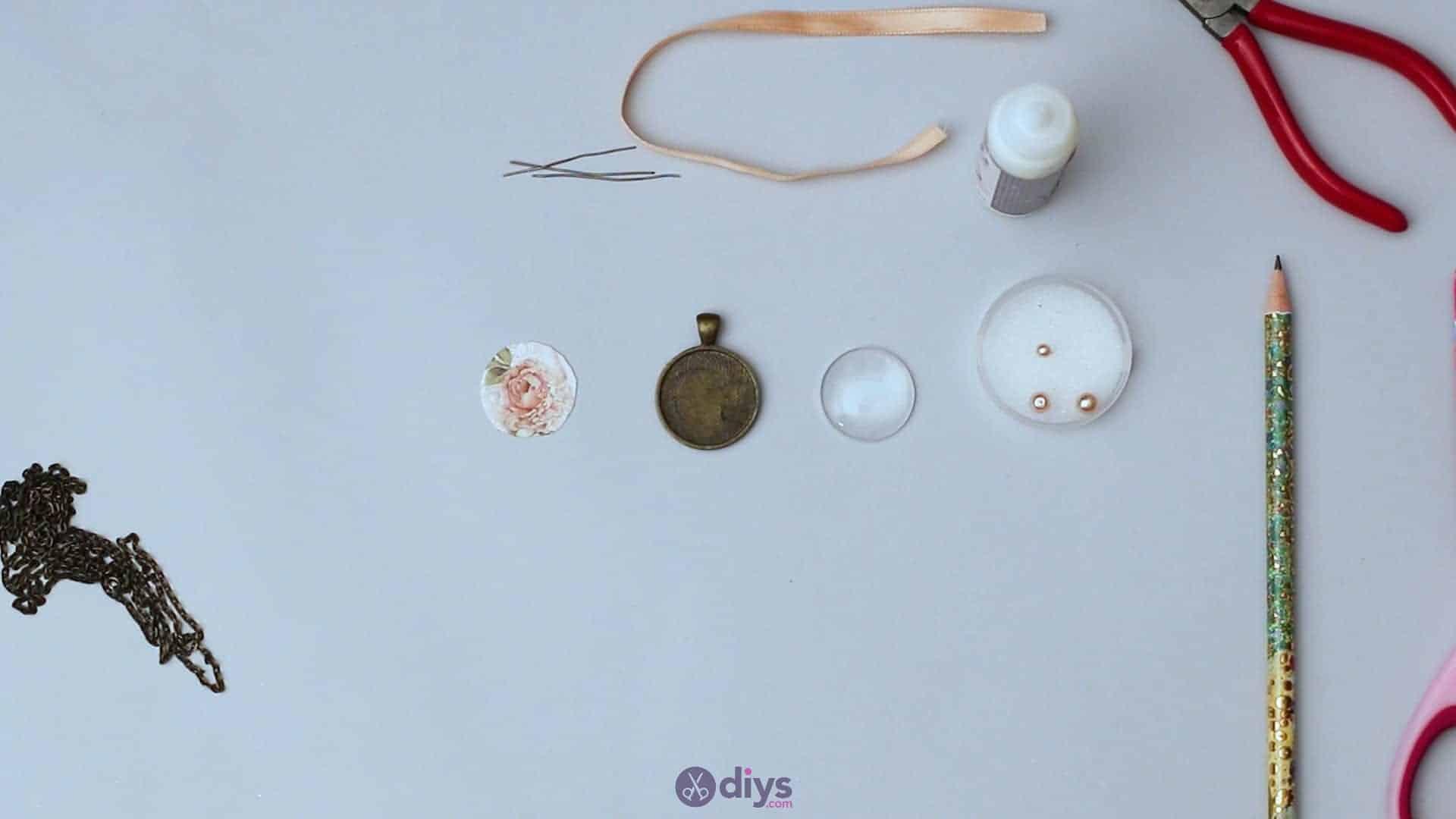 Glass lens necklace step 2f