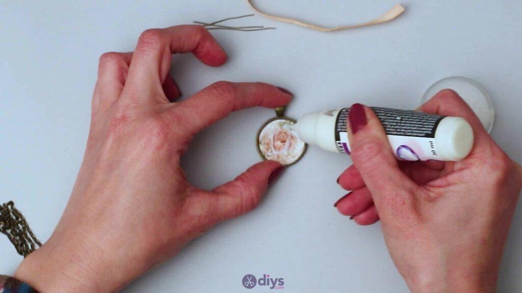 Glass lens necklace step 3d