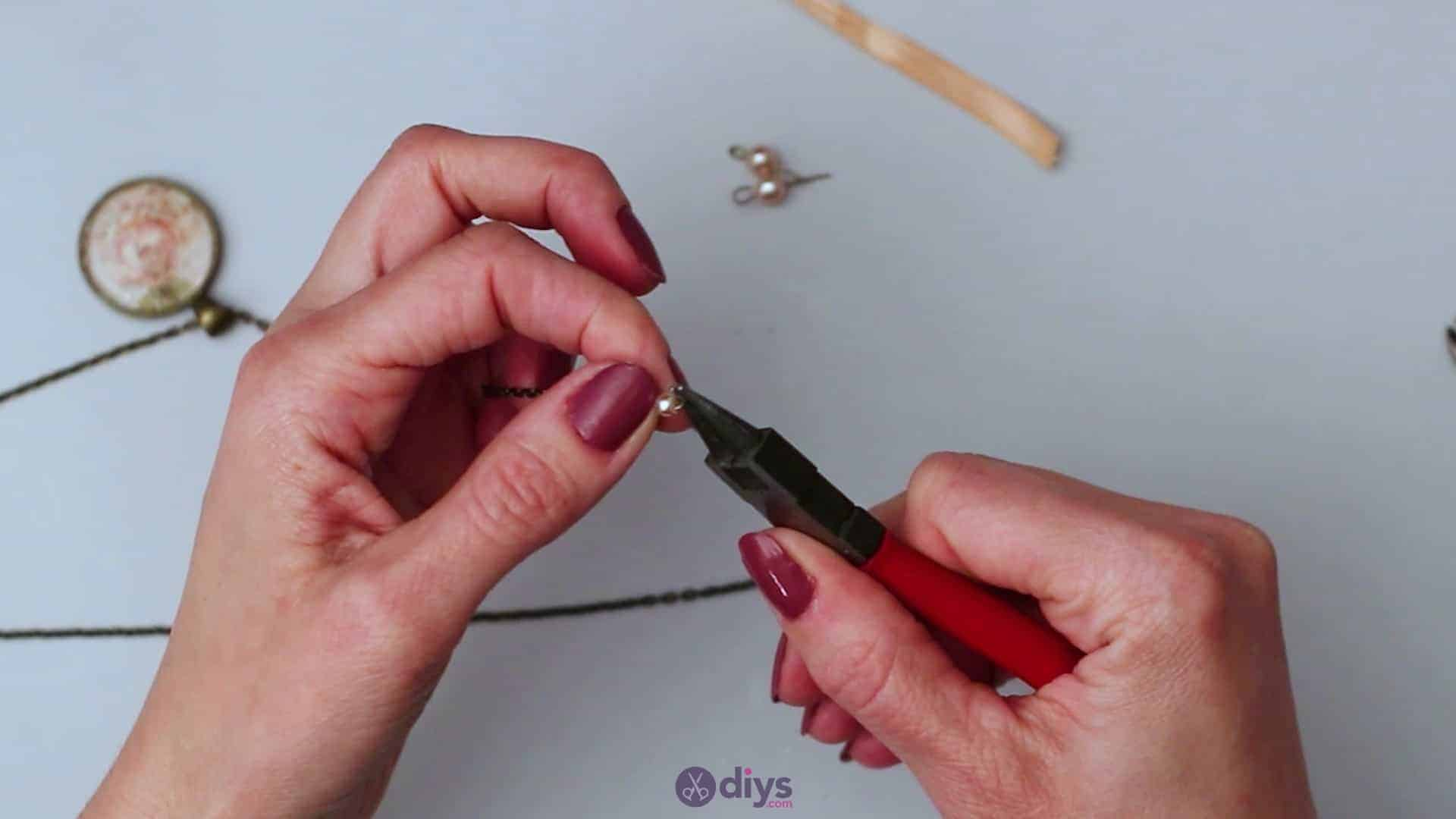 Glass lens necklace step 5f