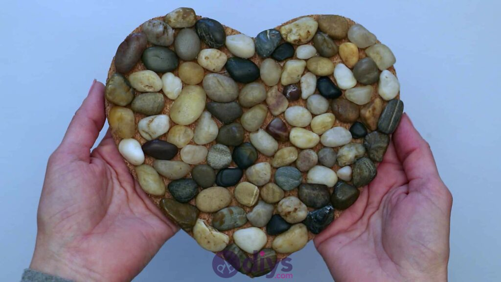Heart shaped pebble underplate step 3djh