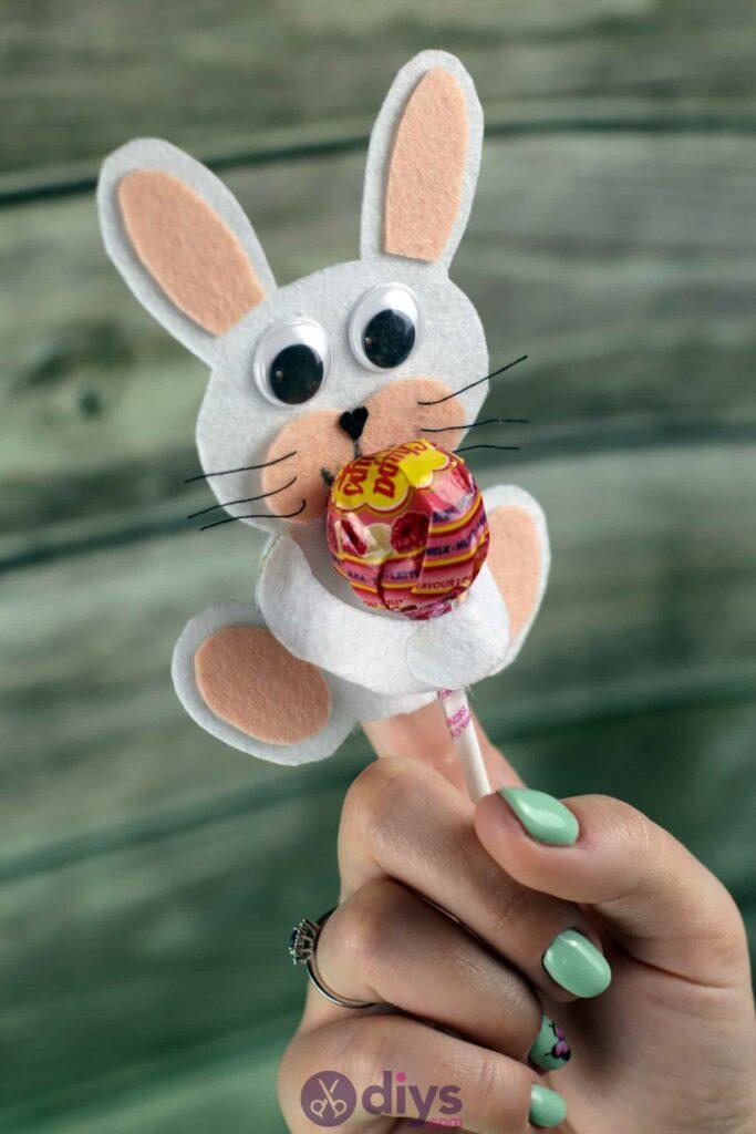 Lollipop holder felt bunny project