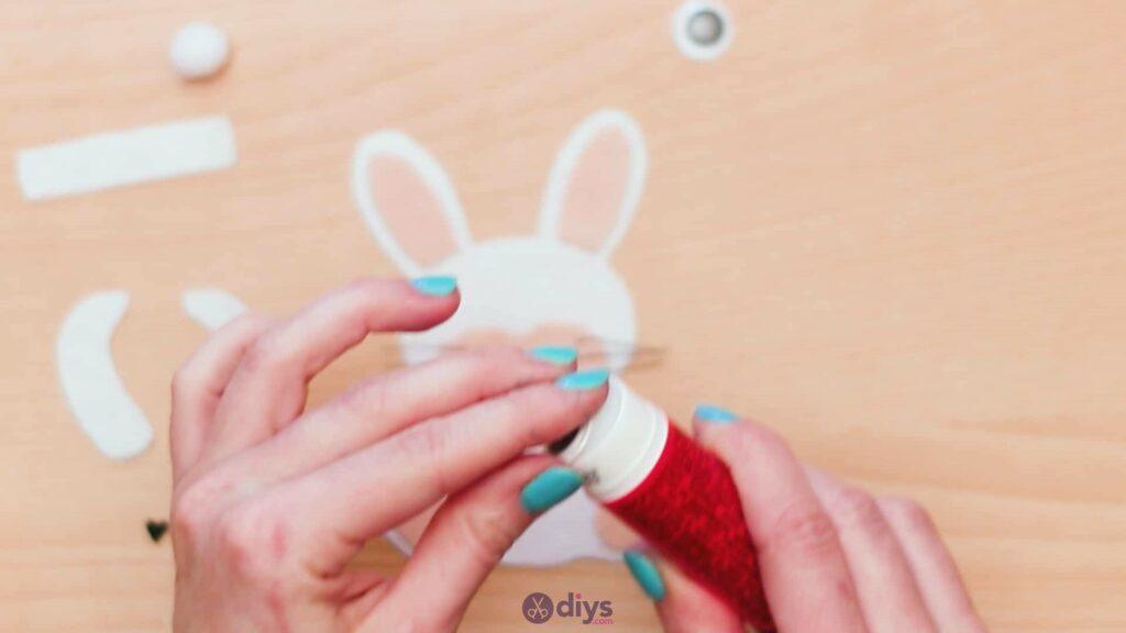 Lollipop holder felt bunny step 7h