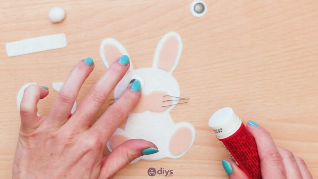 Lollipop holder felt bunny step 7i