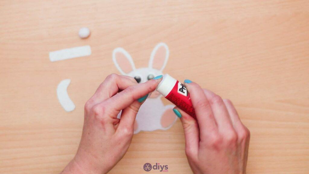 Lollipop holder felt bunny step 9