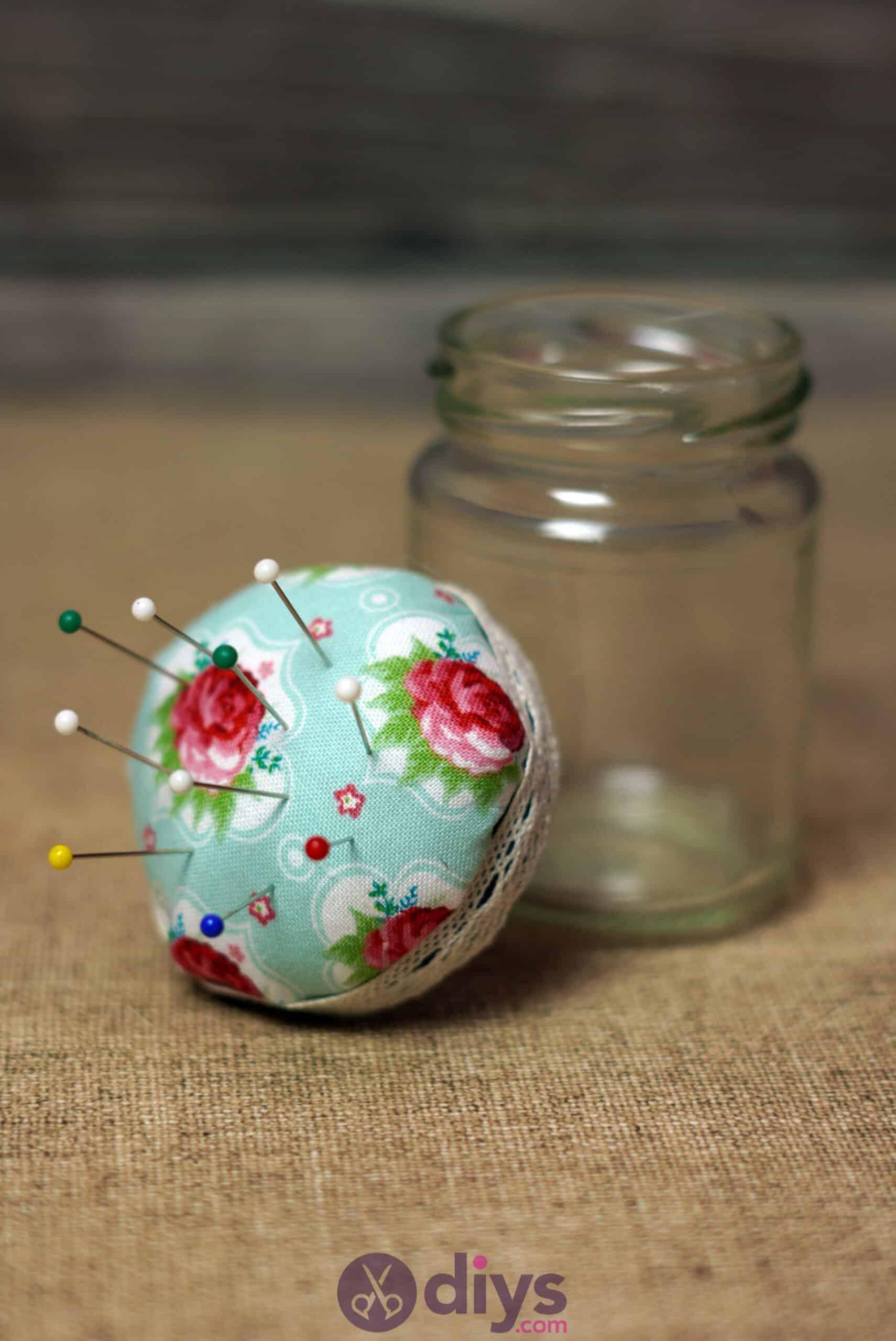Mason jar pin cushion step 8