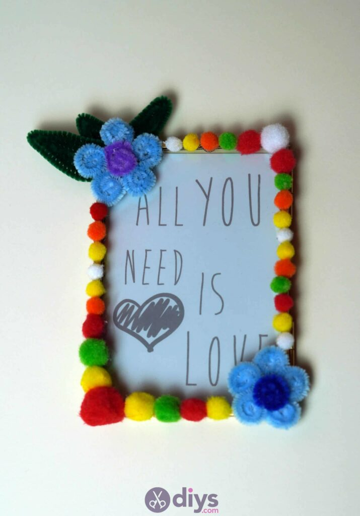 Pipe cleaner photo frame decoration diy