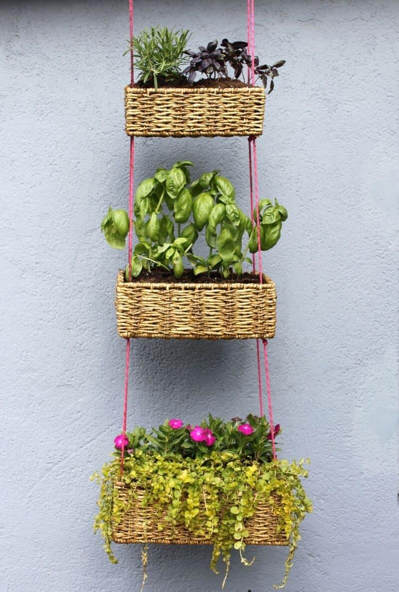 Vertical hanging garden baskets