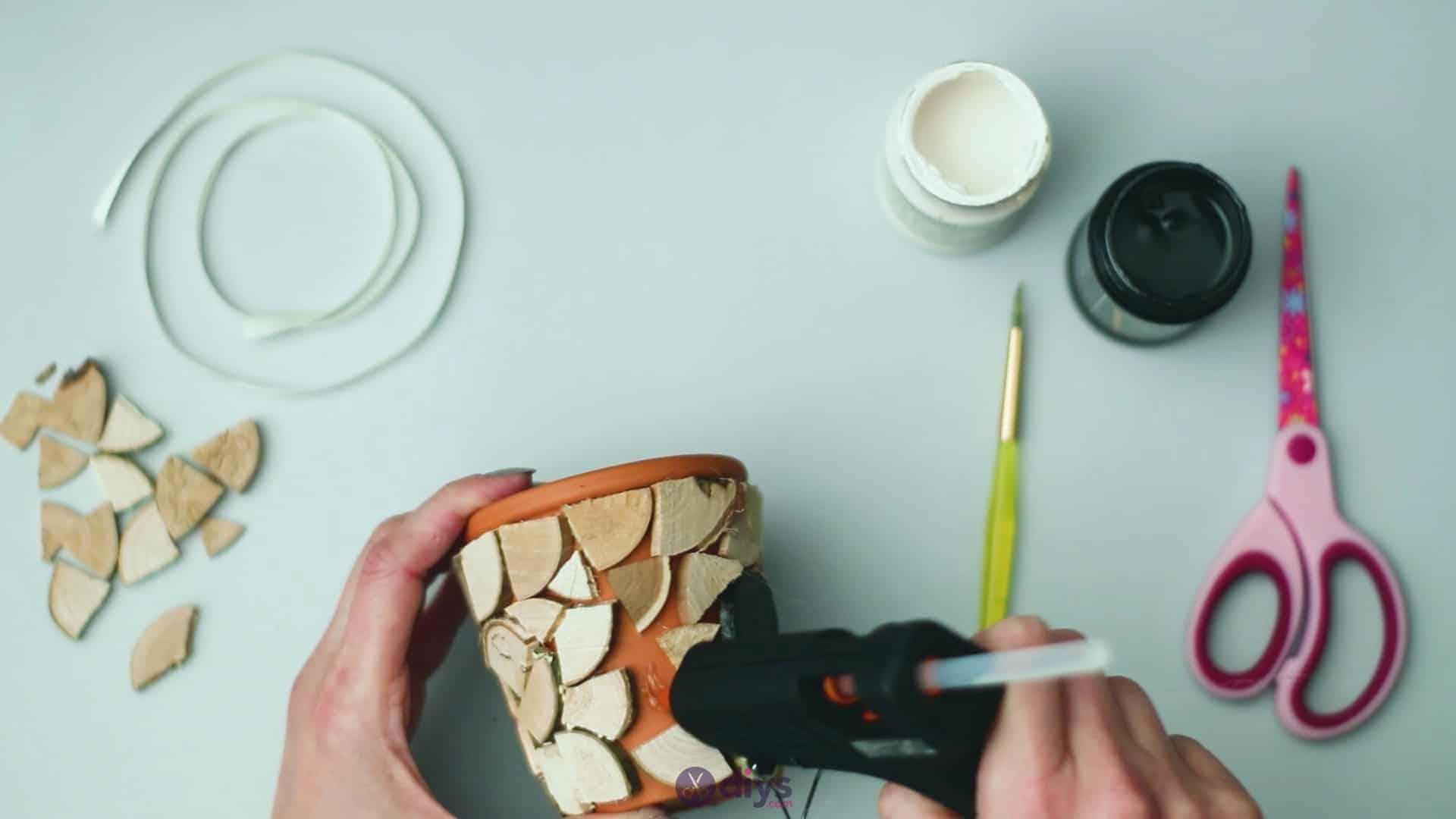 Wood slice plastic planter update step 5h