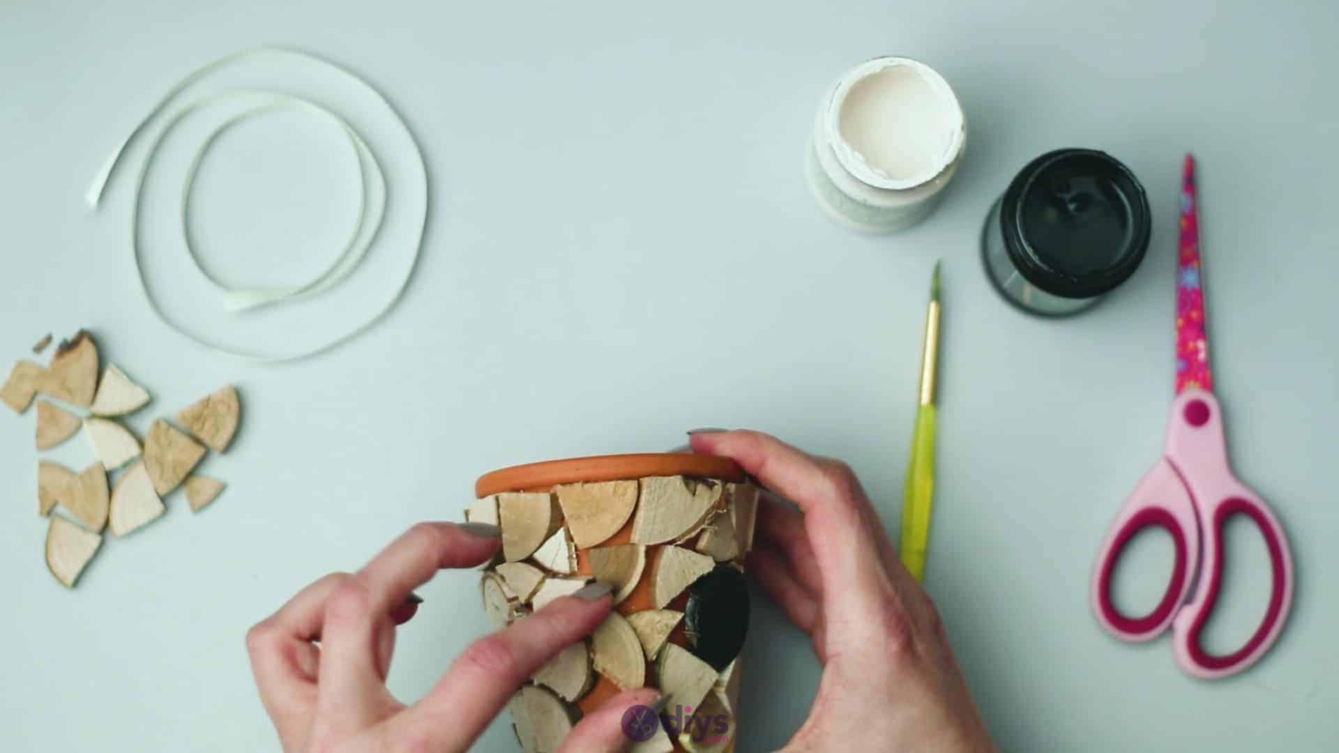 Wood slice plastic planter update step 5i