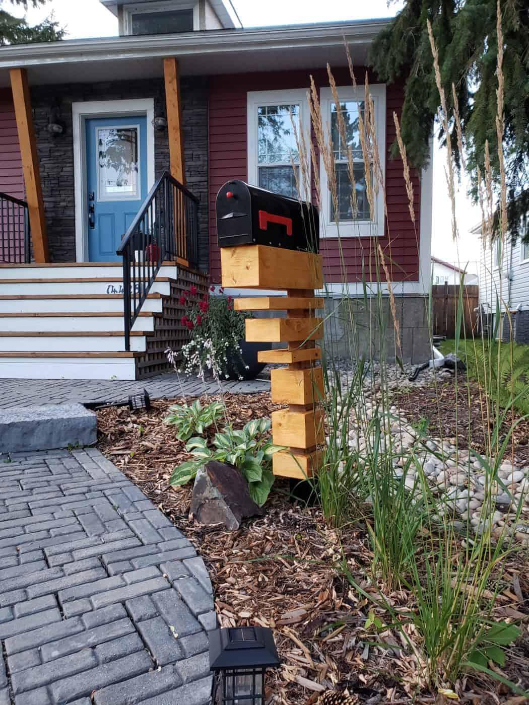 Contemporary art mailbox