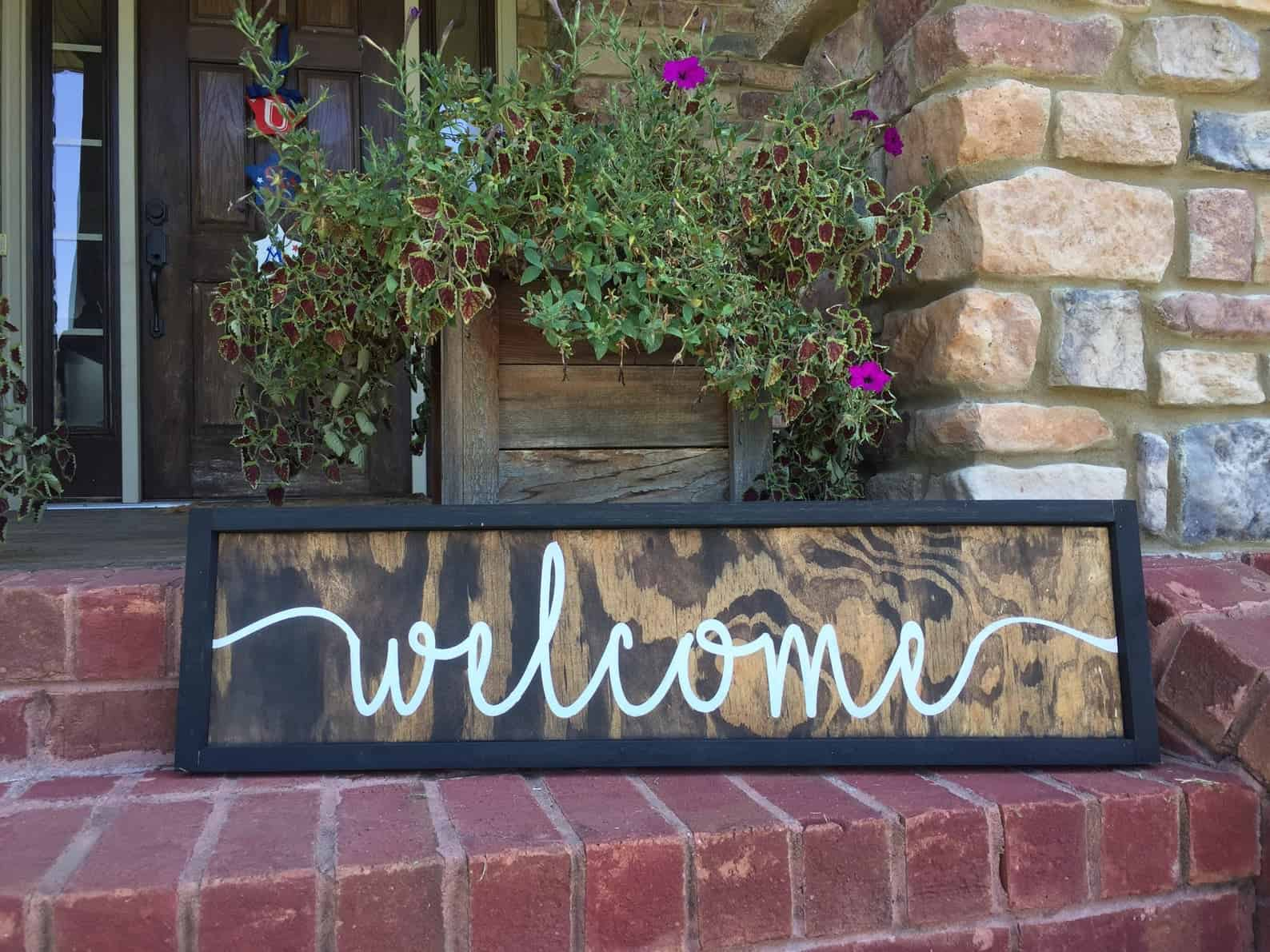Traditional welcome wood sign