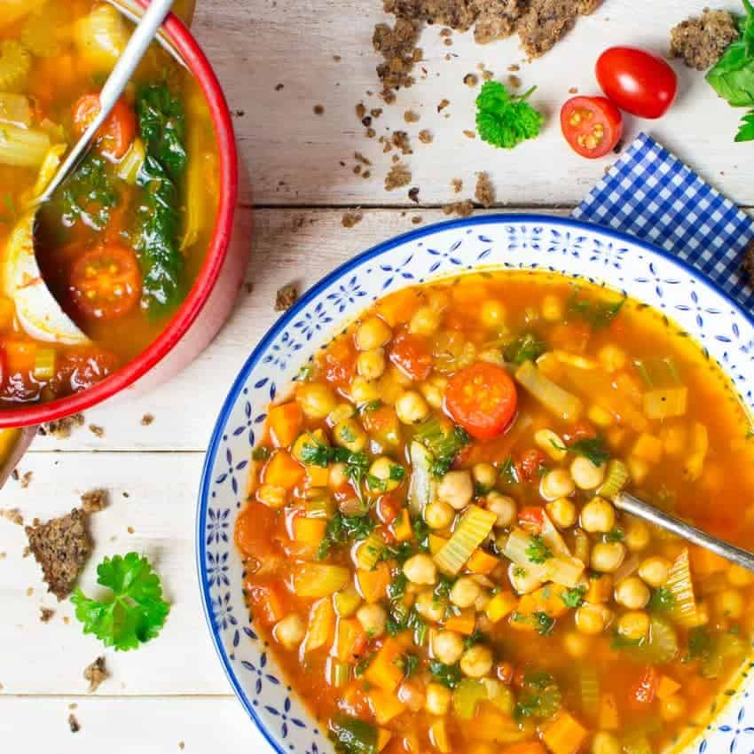 Italian garbanzo bean soup