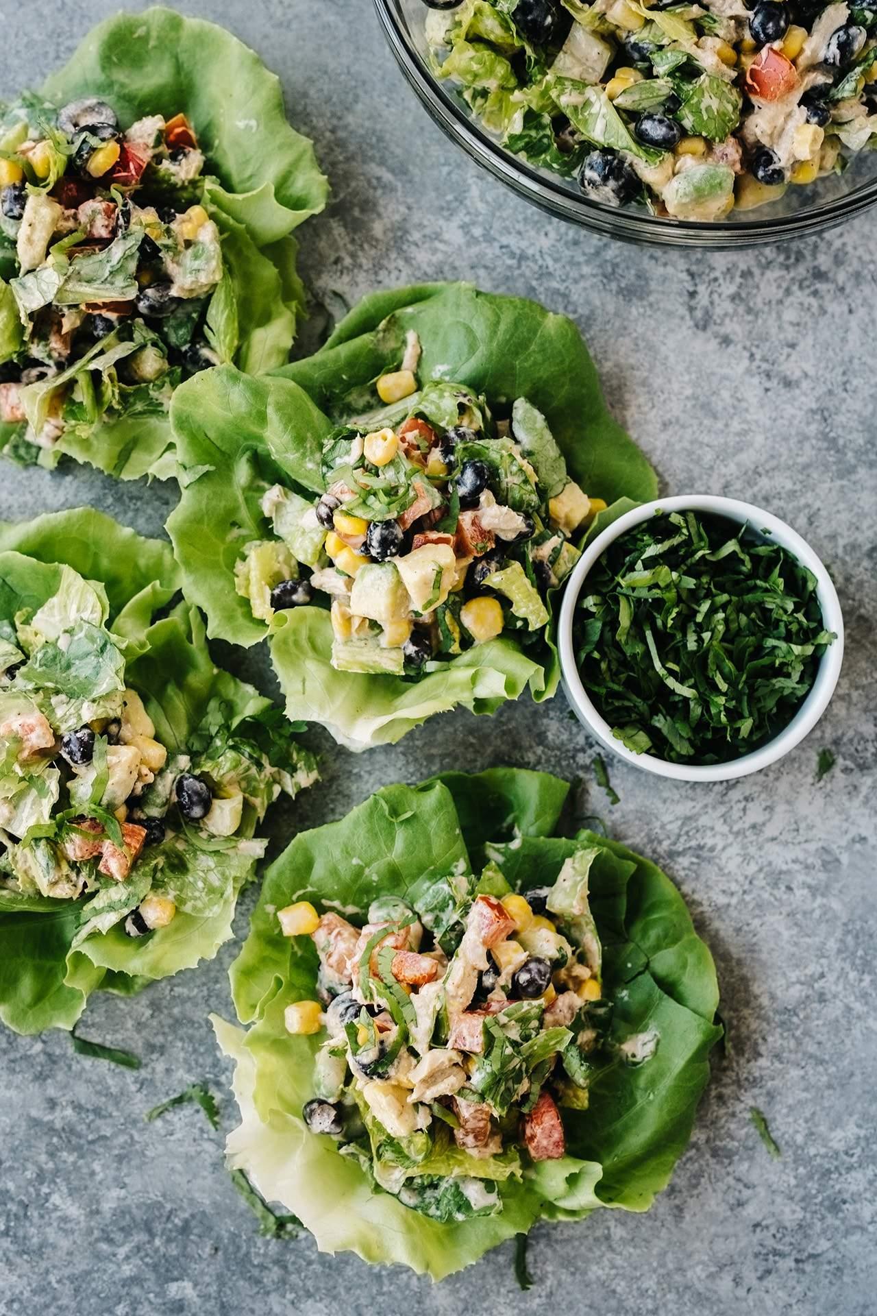 "Mexican chopped tuna salad ""width ="" 1280 ""height ="" 1920 ""srcset ="" https://cdn.diys.com/wp-content/uploads/2020/06/Mexican-chopped-tuna-salad.jpg 1280w, https : //cdn.diys.com/wp-content/uploads/2020/06/Mexican-chopped-tuna-salad-200x300.jpg 200w, https://cdn.diys.com/wp-content/uploads/2020/ 06 / mexican chopped tuna salad-683x1024.jpg 683w, https://cdn.diys.com/wp-content/uploads/2020/06/Mexican-chopped-tuna-salad-768x1152.jpg 768w, https: // cdn .diys.com / wp-content / uploads / 2020/06 / Mexican-chopped-tuna-salad-1024x1536.jpg 1024w ""dimensions ="" (maximum width: 1280px) 100vw, 1280px"