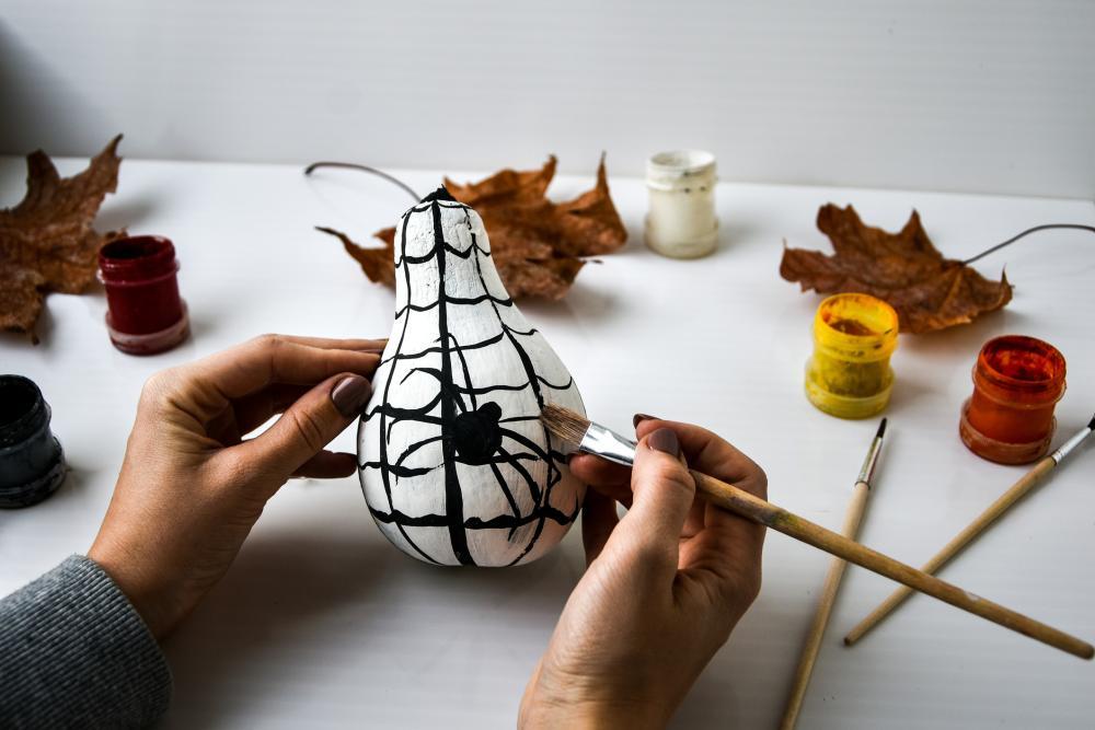 Easy pumpkin painting designs spider pumpkin