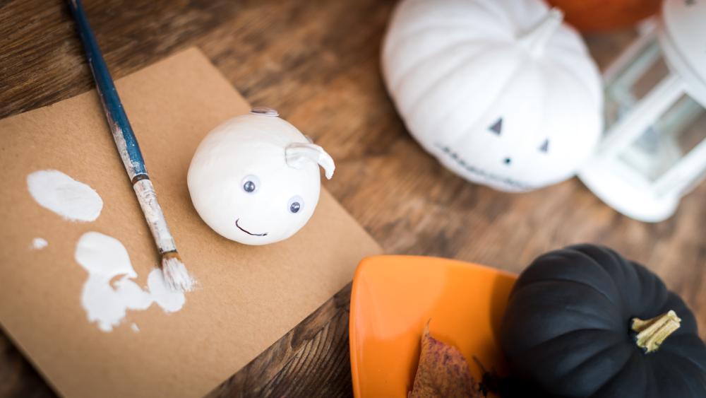Easy pumpkin painting ghost pumpkins