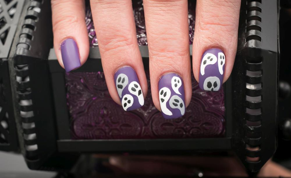 Ghost Fall Nails