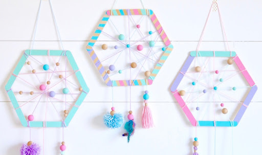 Diy hexagon dreamcatcher