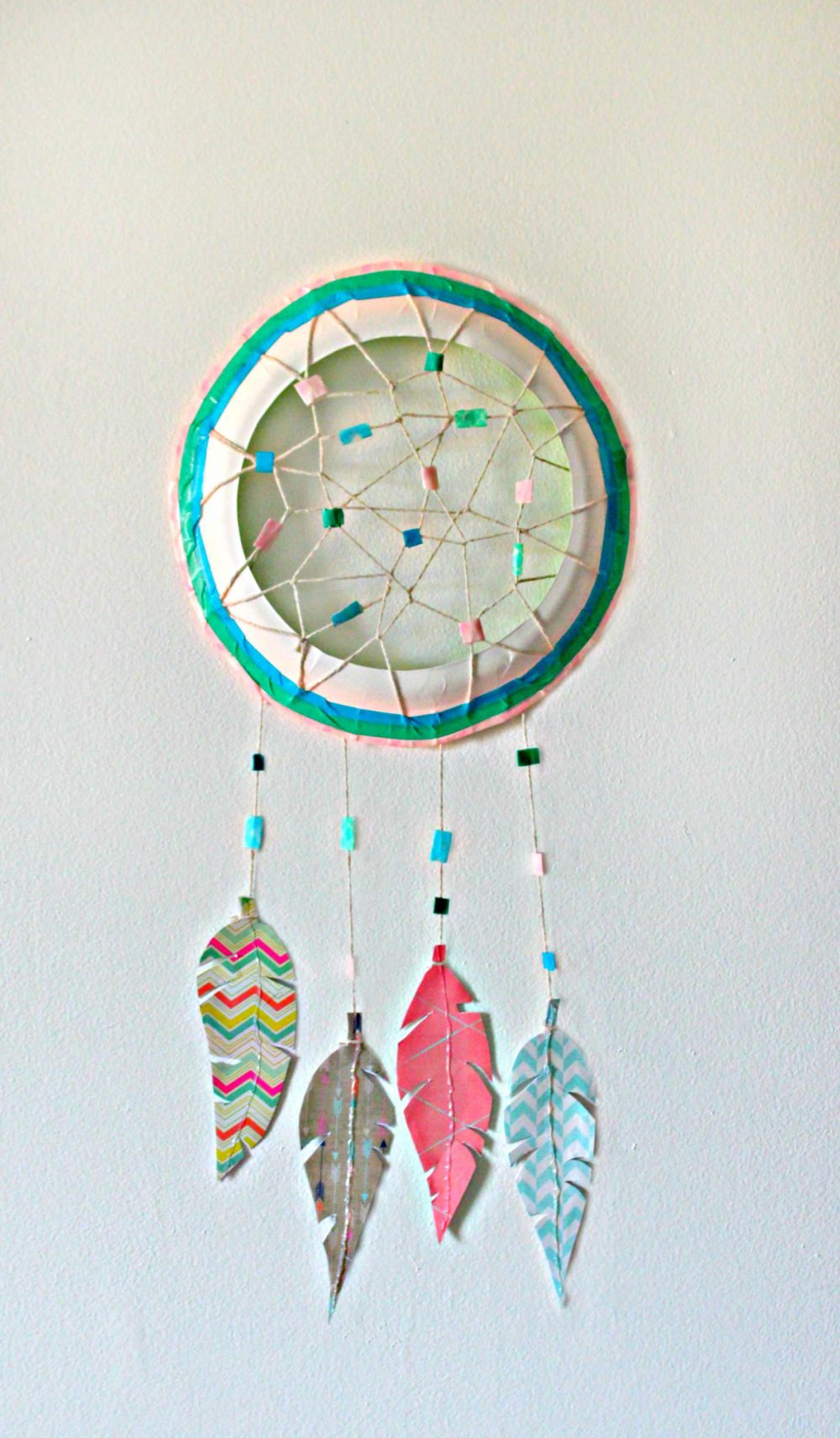 Diy paper plate dreamcatcher
