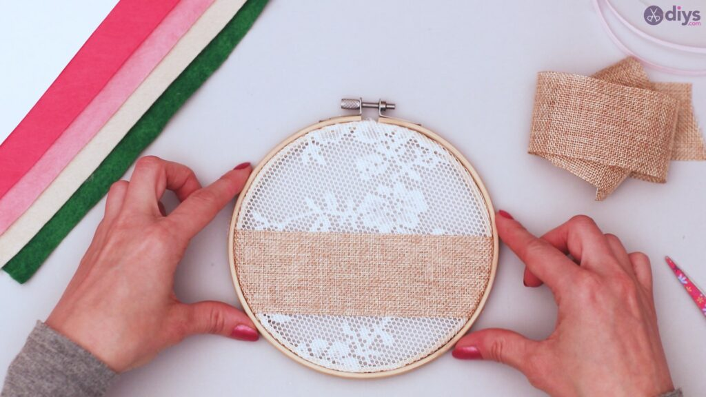 Diy embroidery hoop wall decor tutorial step by step (10)