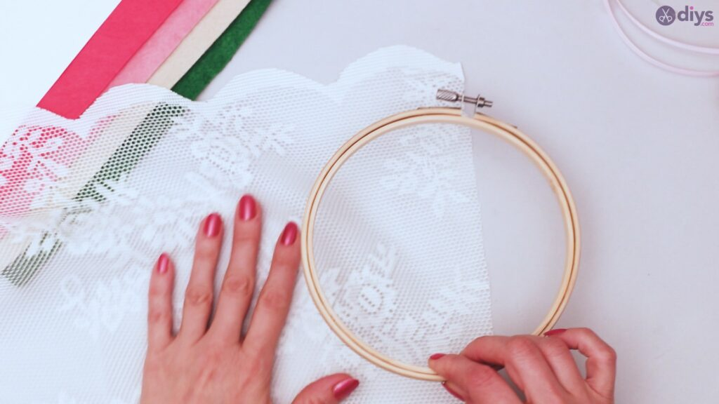 Diy embroidery hoop wall decor tutorial step by step