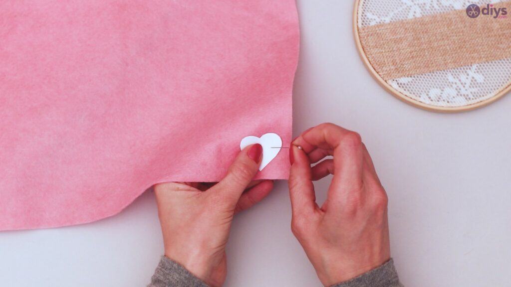 Diy embroidery hoop wall decor tutorial step by step (14)