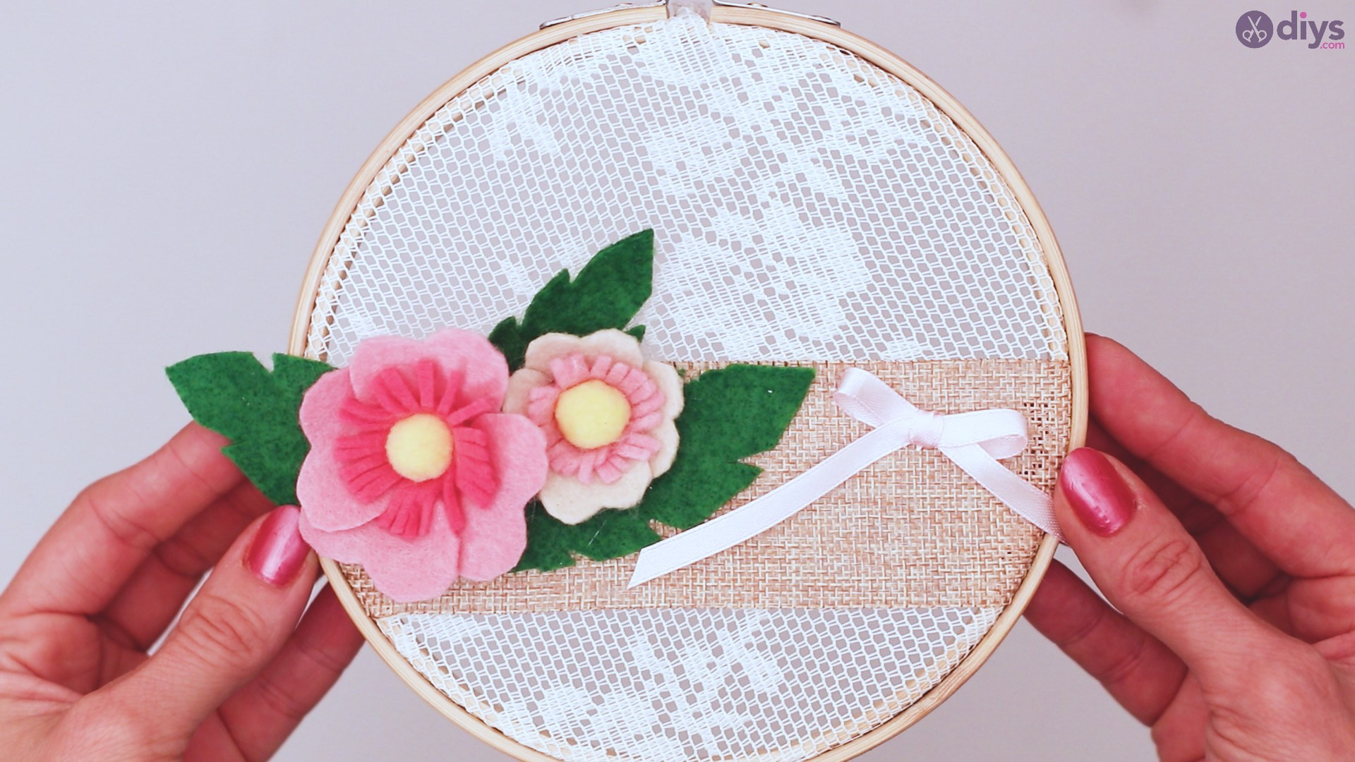 Diy embroidery hoop wall decor tutorial step by step (71)