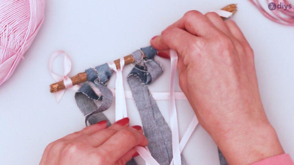 Diy ribbon wall hanging (10)