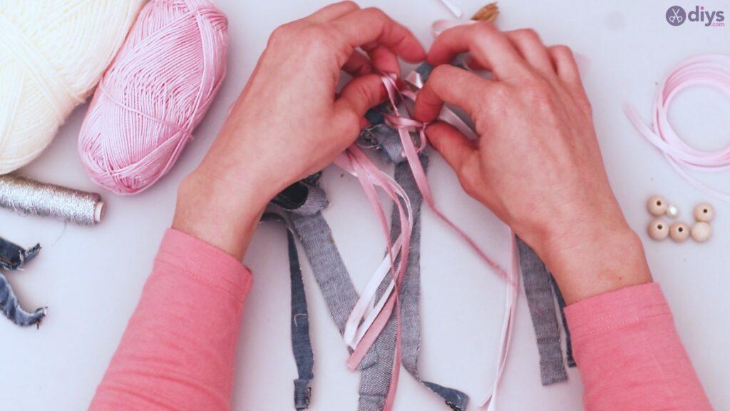 Diy ribbon wall hanging (14)