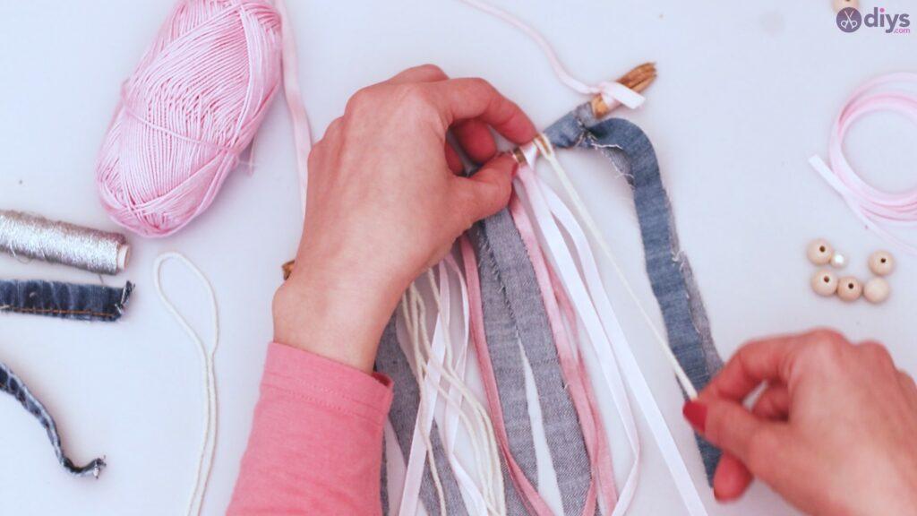 Diy ribbon wall hanging (25)