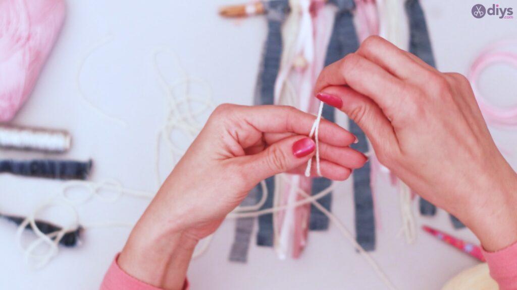 Diy ribbon wall hanging (42)