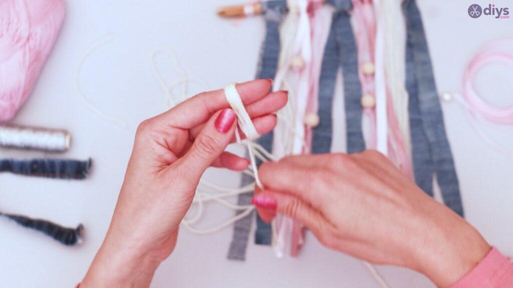 Diy ribbon wall hanging (43)