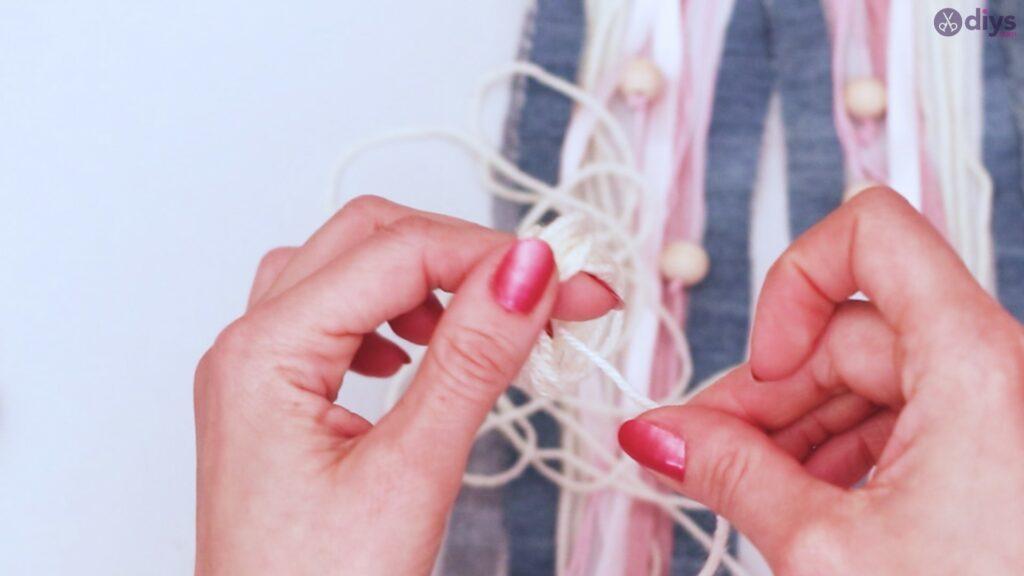 Diy ribbon wall hanging (46)