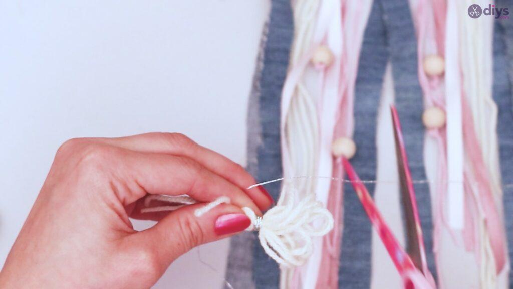 Diy ribbon wall hanging (51)