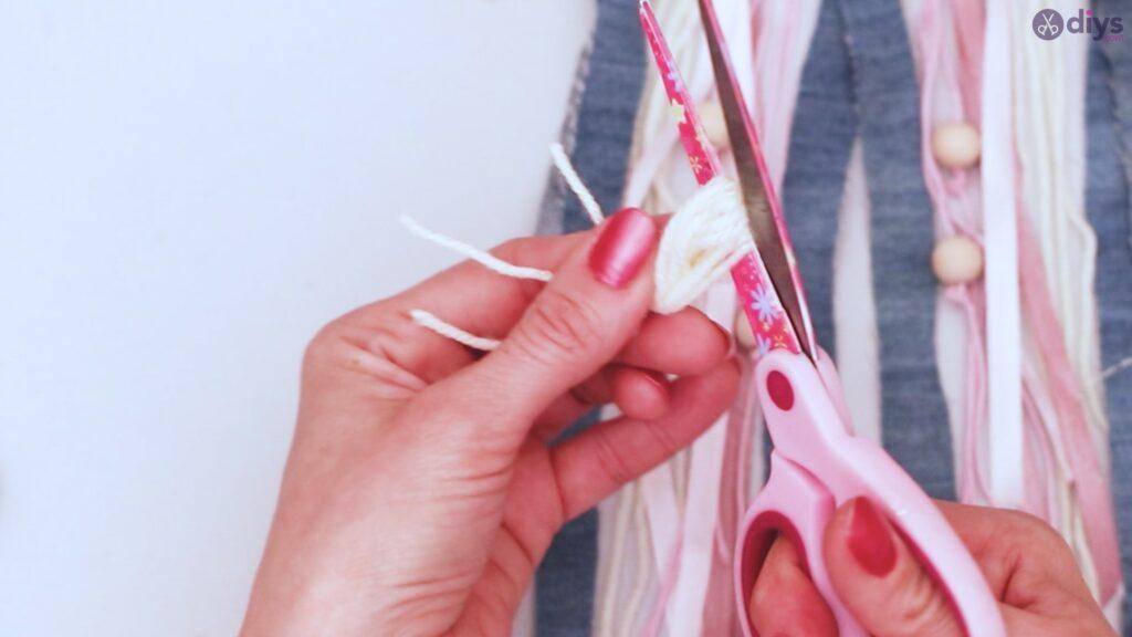 Diy ribbon wall hanging (54)
