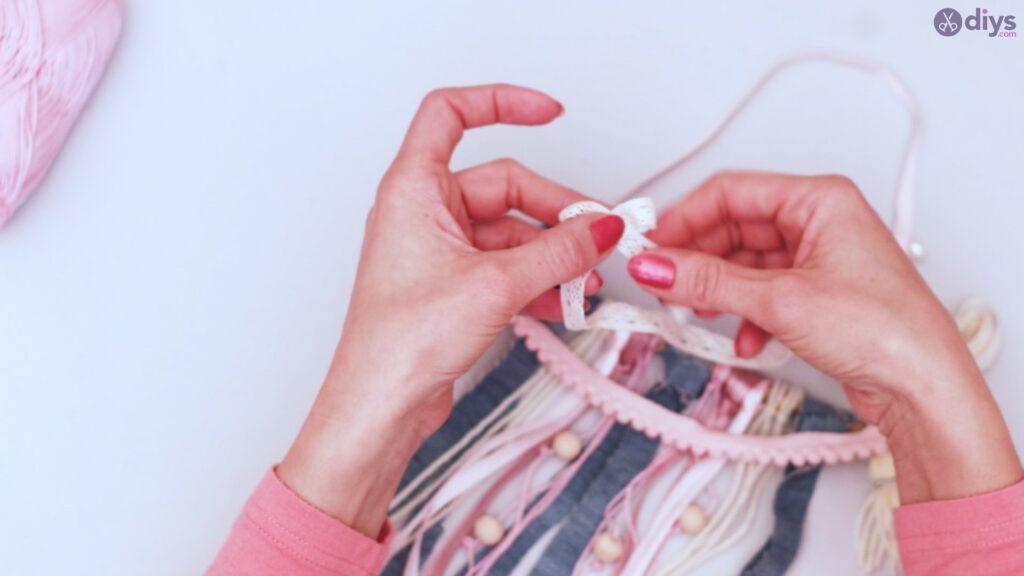 Diy ribbon wall hanging (72)