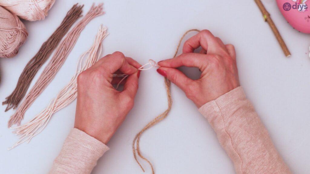 Diy yarn leaf wall decor tutorial (16)