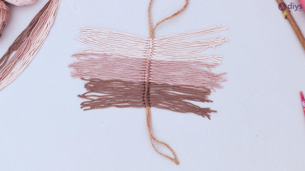 Diy yarn leaf wall decor tutorial (24)