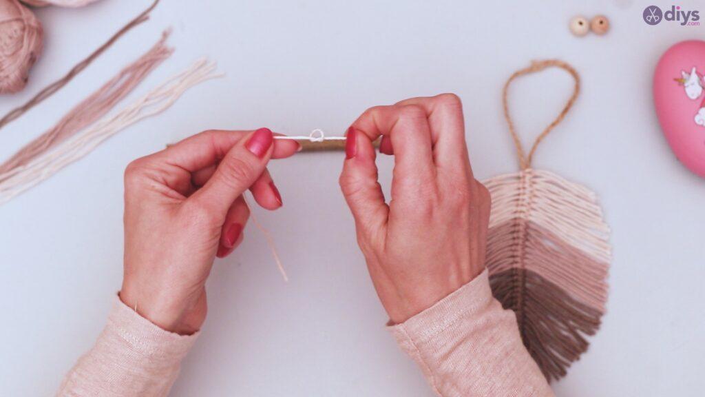 Diy yarn leaf wall decor tutorial (32)