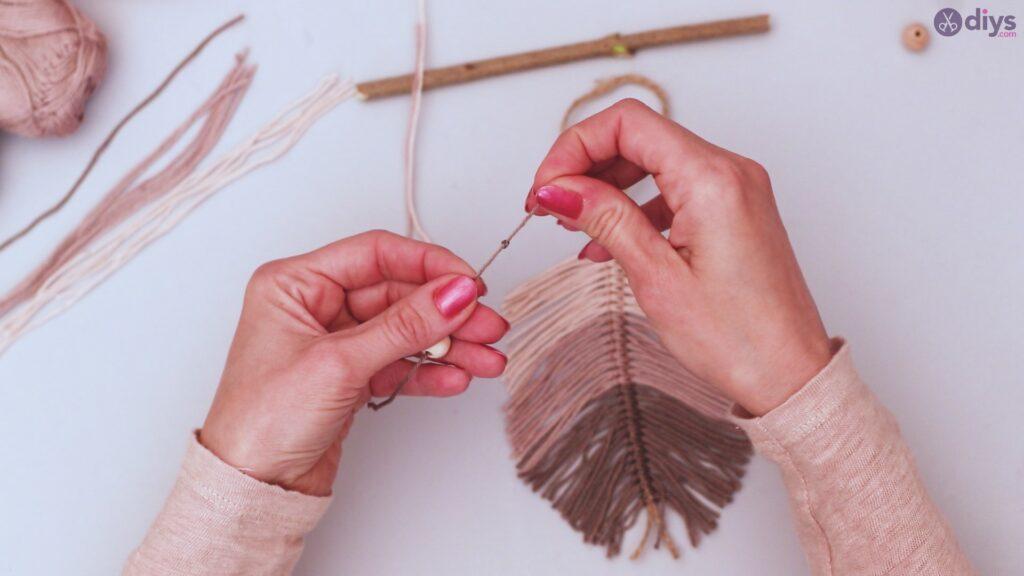 Diy yarn leaf wall decor tutorial (34)