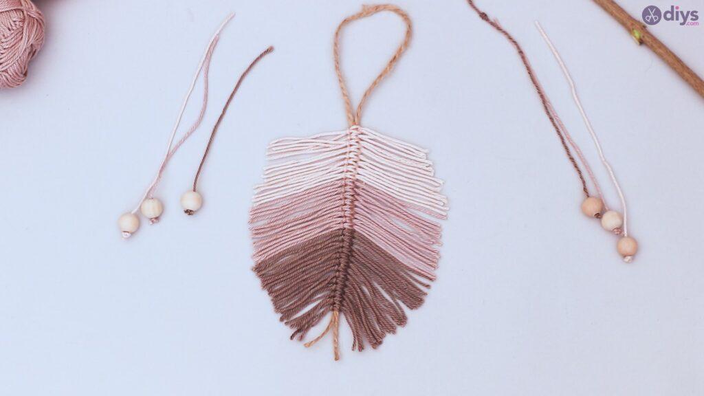 Diy yarn leaf wall decor tutorial (37)