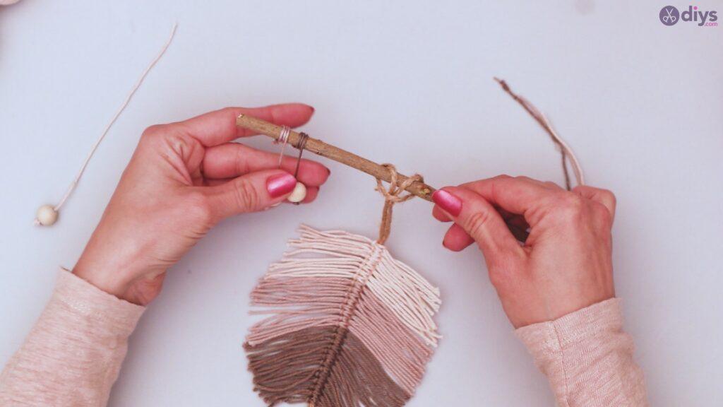 Diy yarn leaf wall decor tutorial (42)