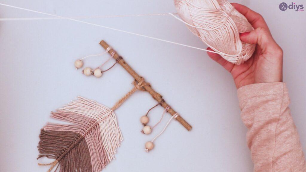 Diy yarn leaf wall decor tutorial (45)
