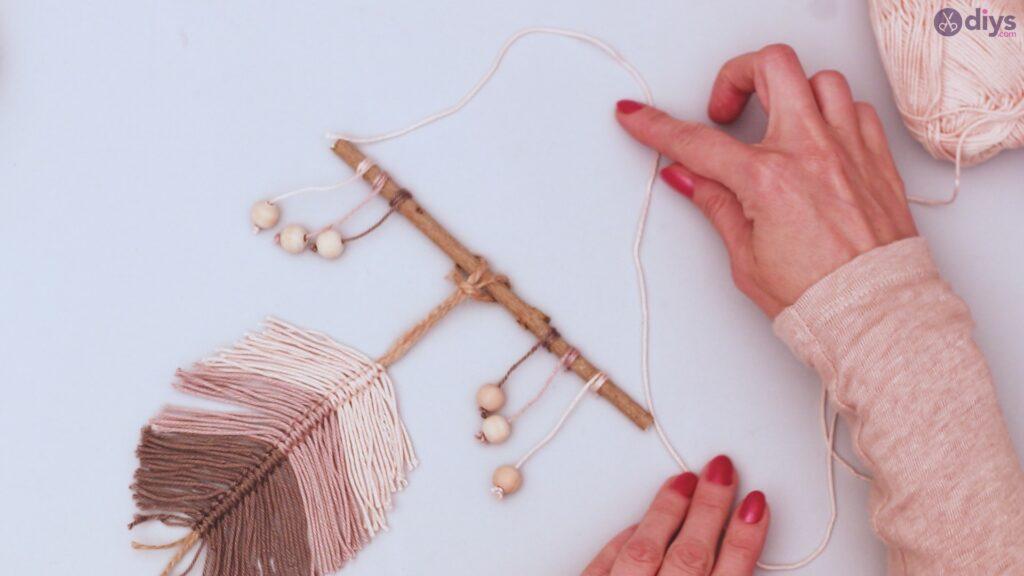 Diy yarn leaf wall decor tutorial (46)