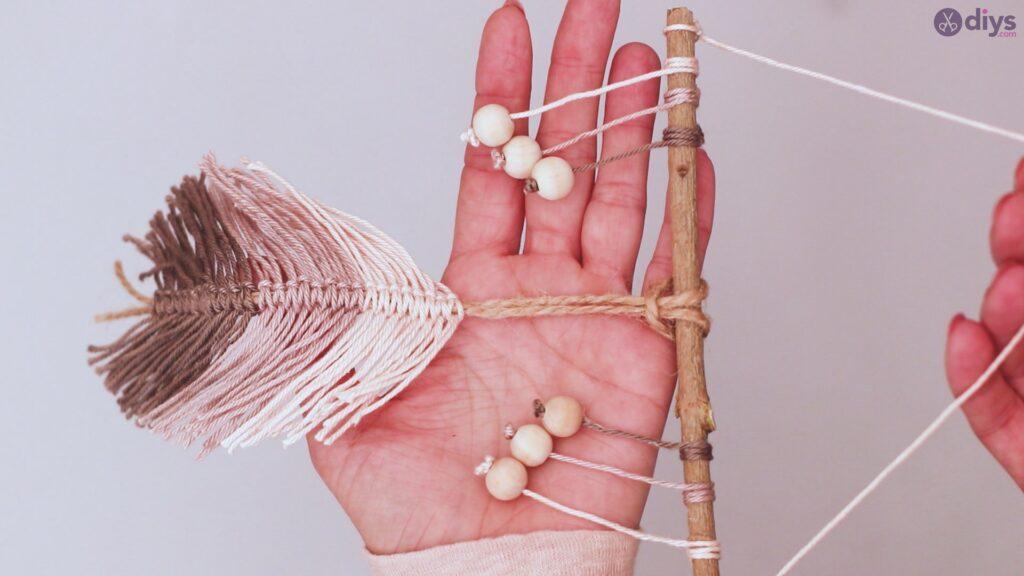 Diy yarn leaf wall decor tutorial (51)