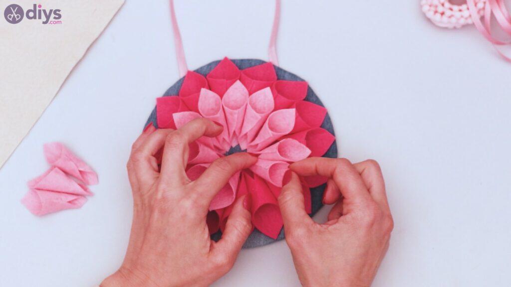 Felt flower wall art step 1 (47)