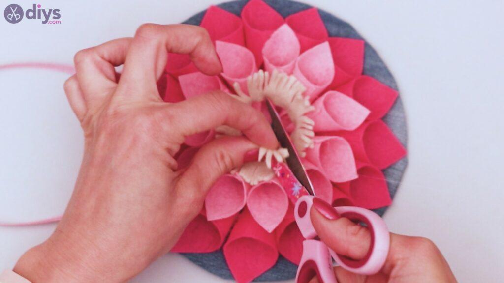 Felt flower wall art step 1 (55)