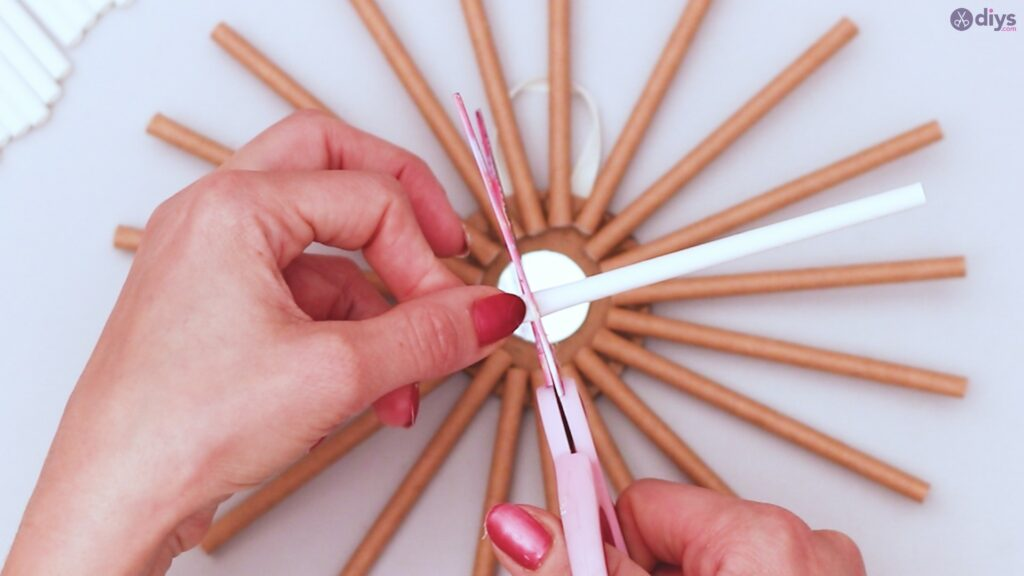 Paper straw wreath diy (23)
