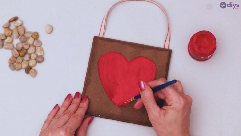 Pebble heart wall decor (13)