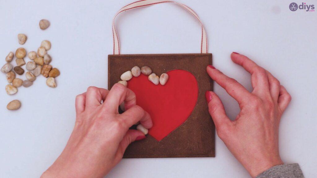 Pebble heart wall decor (15)